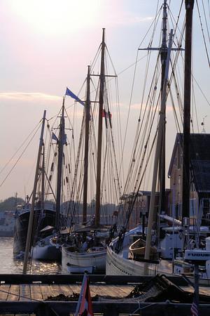 Ships/Boats