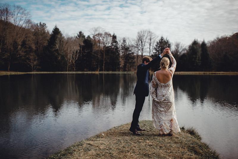 Requiem Images - Luxury Boho Winter Mountain Intimate Wedding - Seven Springs - Laurel Highlands - Blake Holly -689.jpg