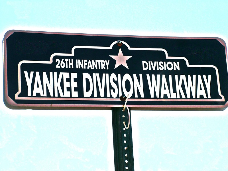 Yankee Division Walkway Sign 043.JPG