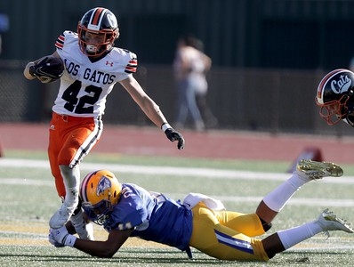 Football: Los Gatos dominates in trenches, blanks Oak Grove