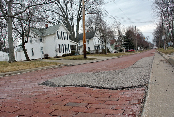 Broadway homeowners review paving options