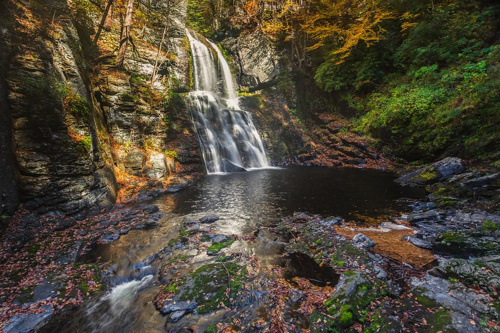 宾州布什基尔瀑布(Bushkill Falls),爬山看瀑布