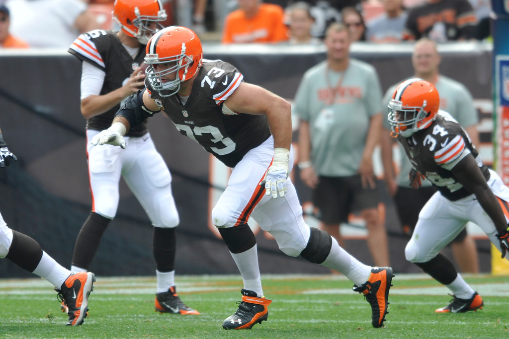 . Cleveland Browns tackle Joe Thomas (73) during an NFL football game against the Cincinnati Bengals Sunday, Sept. 29, 2013, in Cleveland. Cleveland won 17-6. (AP Photo/David Richard)