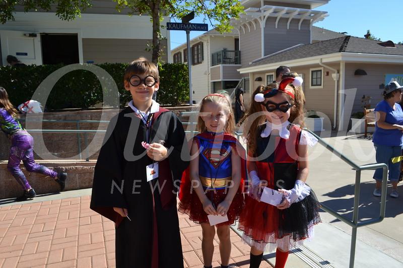 DSC_ Max Pala with Hayden and Marlo Heath 1235.JPG