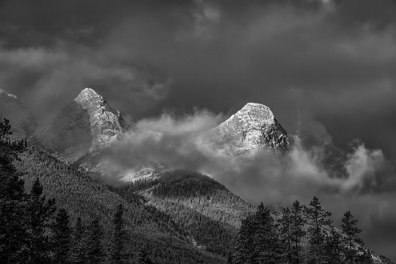 Morning Mountain Mono