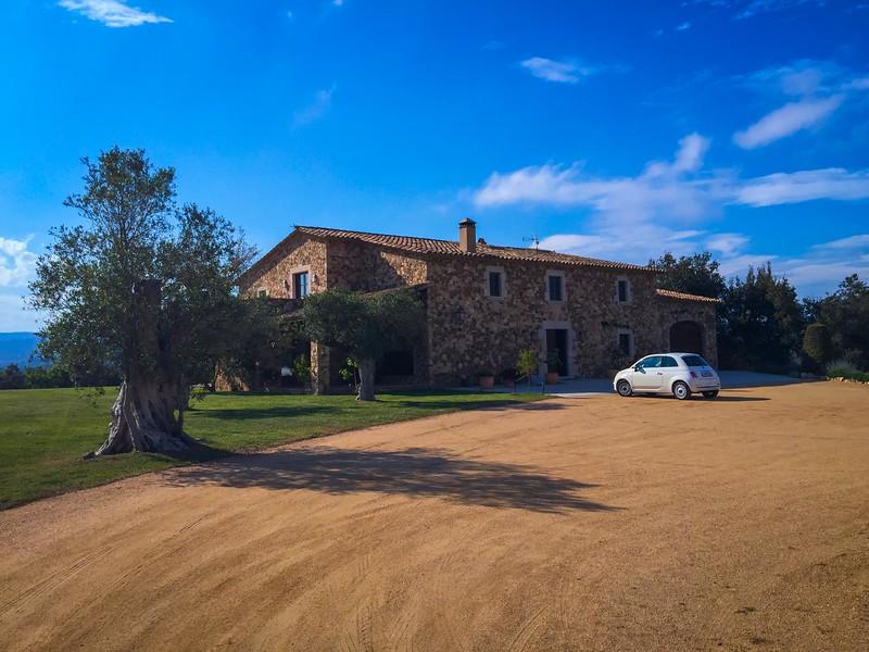 charming-villas-costa-brava-spain-4.jpg