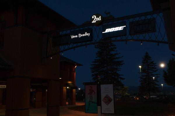 Vera bradley Arch Signs