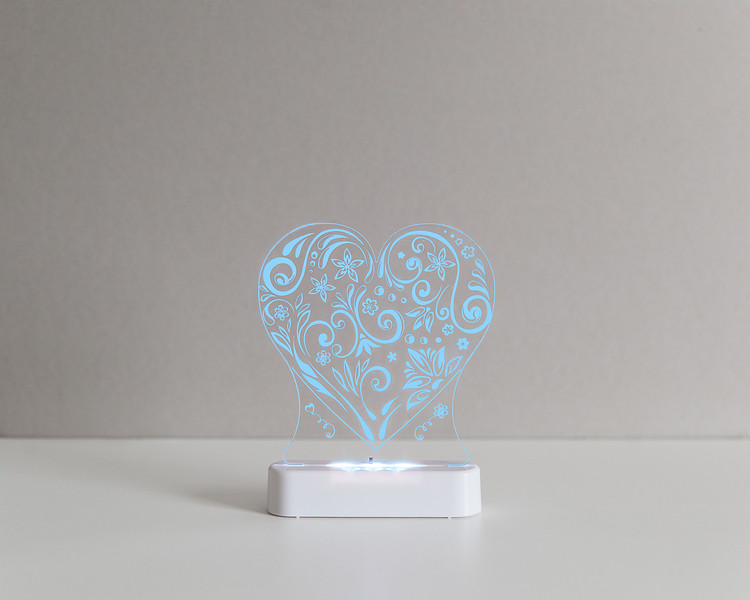 Aloka_Nightlight_Product_Shot_Love_Heart_White_Bluesky.jpg