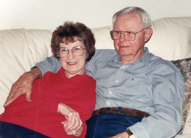 1998 Annie and Norman at Thanksgiving 1.jpg