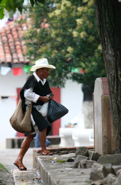 Homme San Cristobal01191.jpg