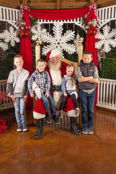 Santa 12-16-17-205.jpg