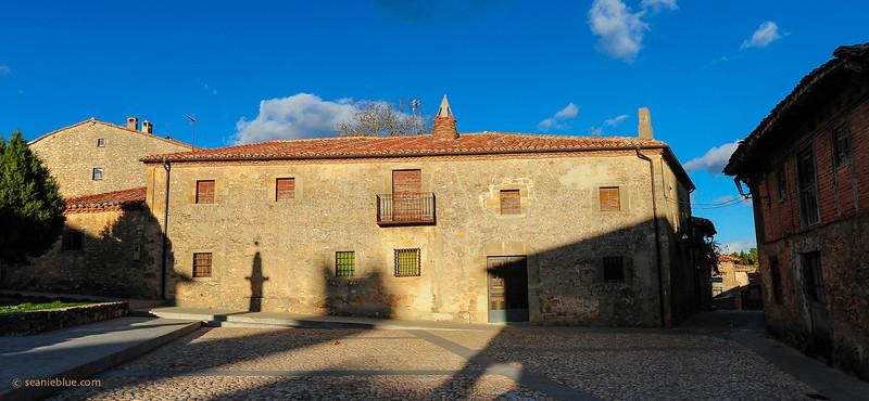 KCMB catalanazor village 2000-70-1293.jpg