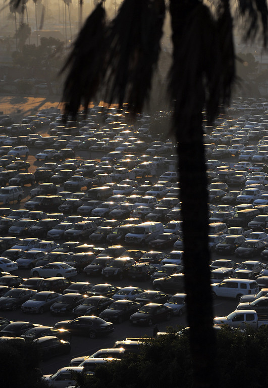 . Final day of horse racing at Hollywood Park in Inglewood, CA on Sunday, December 22, 2013. After 75 years, the famed racetrack is closing to make way for development.  Cars pack the parking lot on the final day of racing. (Photo by Scott Varley, Daily Breeze)
