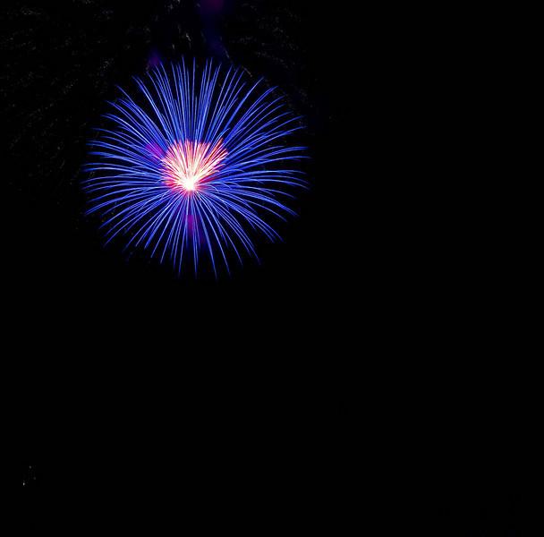 Fireworks at Burlington Waterfront - 20.jpg