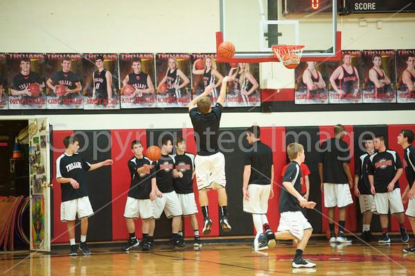 TV Boys Basketball Garaway 011616