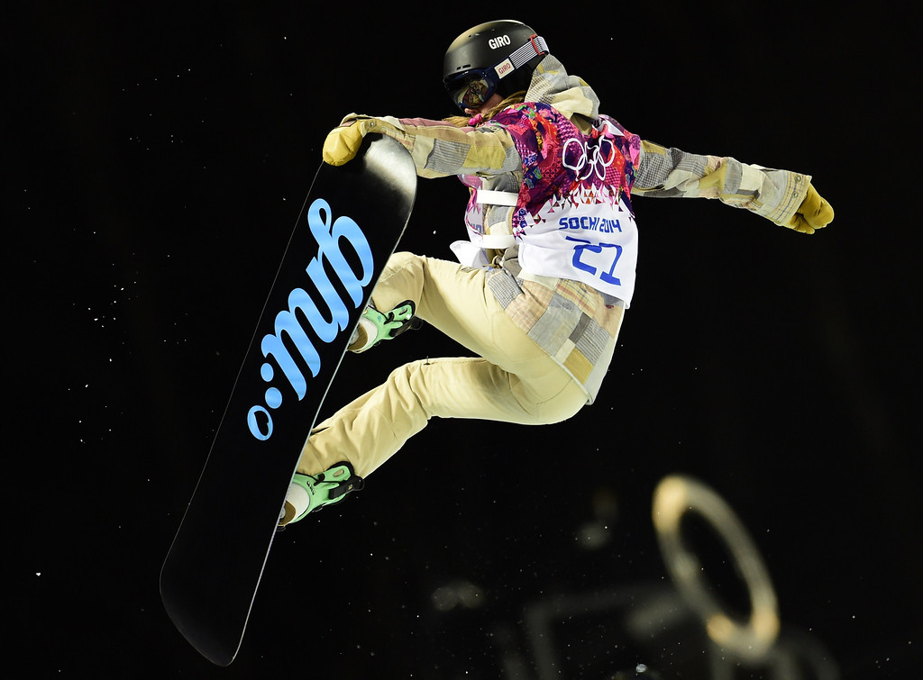 . US Kaitlyn Farrington competes in the Women\'s Snowboard Halfpipe Semifinals at the Rosa Khutor Extreme Park during the Sochi Winter Olympics on February 12, 2014.  AFP PHOTO / JAVIER SORIANO/AFP/Getty Images