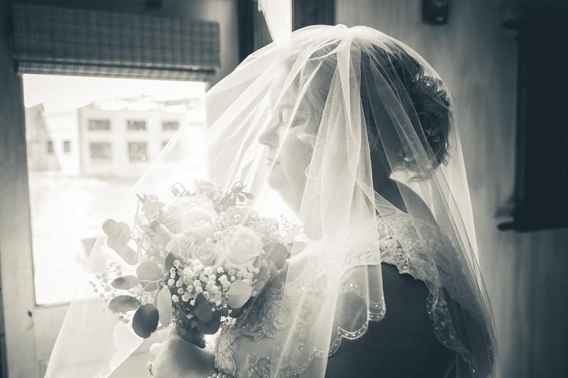 Beloit-WI-Ironworks-hotel-Wedding-Photographere_m_38.jpg