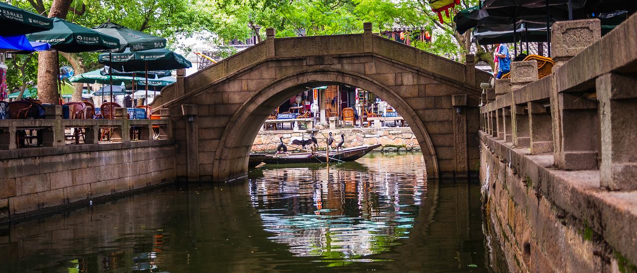 中国江苏同里,水上石桥