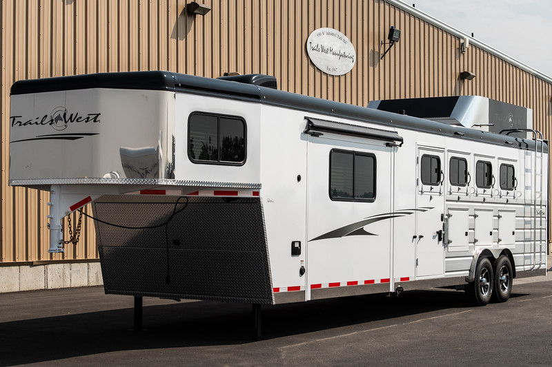 2019 TW Horse Trailers & Tack Rooms-186-2.jpg