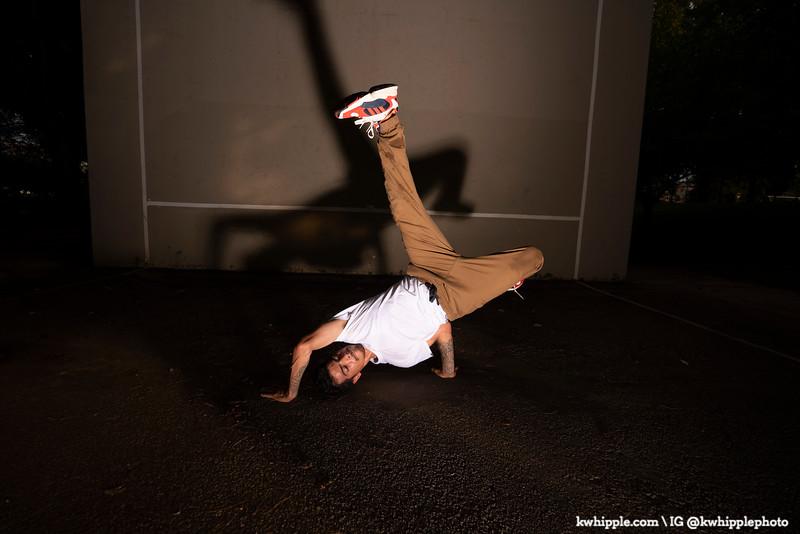 kwhipple_julie_alex_breakdancing_20190822_0063.jpg