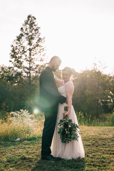 rustic_ohio__fall_barn_wedding-334.jpg
