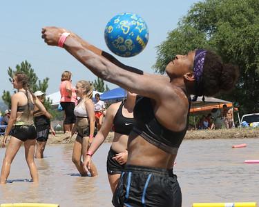 2018 mud volleyball