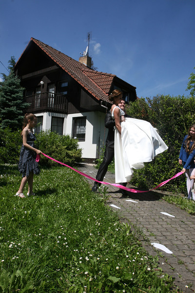 Weddings in IdyllicPrague Cottages