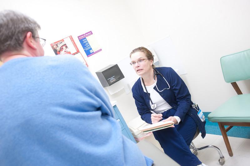 12_14_10_st_ann_clinic-00182.jpg