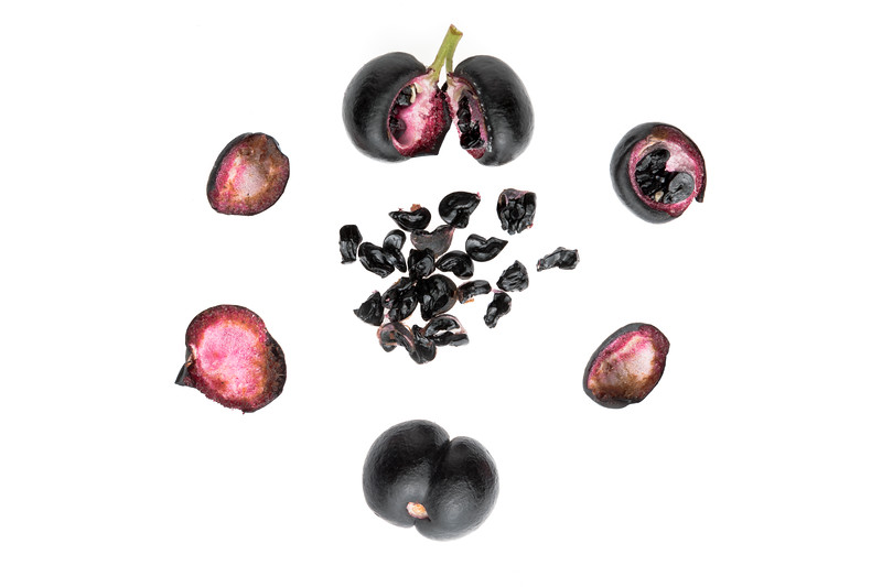 Tasmanian Pepper Berry 5p 100mm.jpg