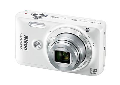 Nikon Coolpix S6900