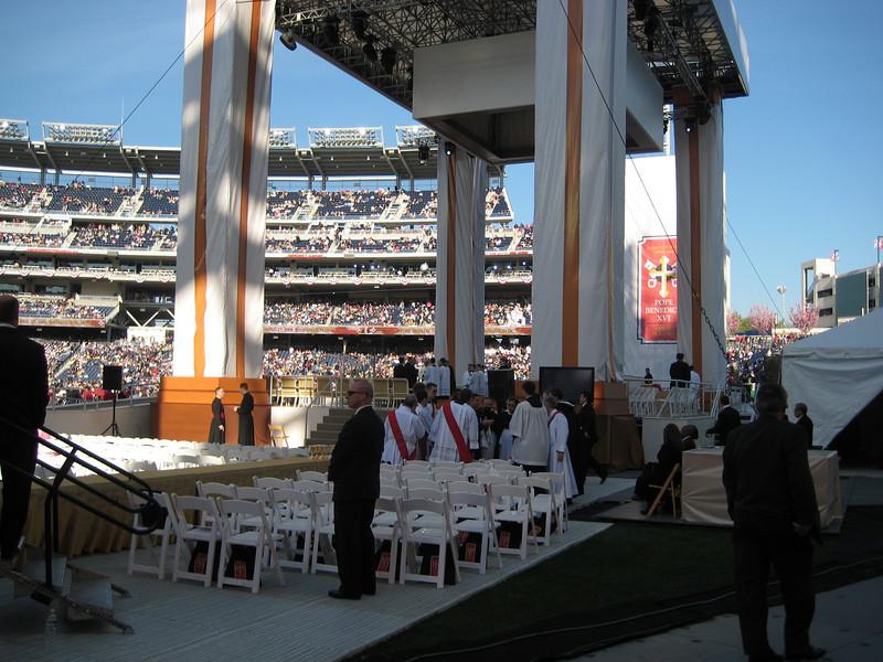 Pope Mass Nats Stadium 4-17-08 023.jpg
