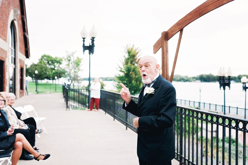 chateau-on-the-river-trenton-michigan-wedding-0218.jpg