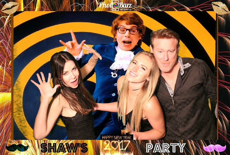 Shaws NYDay Party (34).jpg