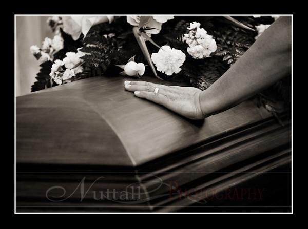 Lori Funeral 163bw.jpg