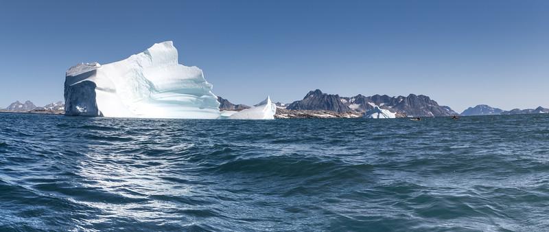 Iceberg Polar Bear Island Kayak i2.jpg