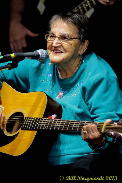 Edna Sinclair - Fiddlers Roost Xmas Party 2013 273.jpg