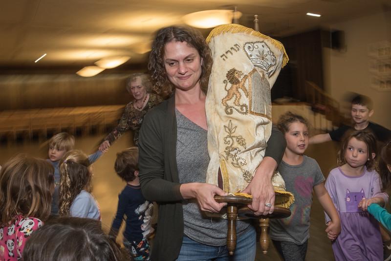 Simchat Torah4564.jpg