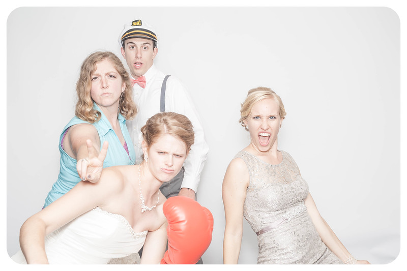 Laura+Ross-Wedding-Photobooth-210.jpg