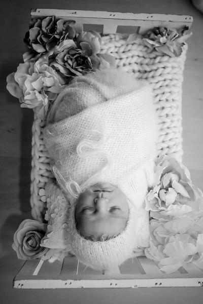 bw_newport_babies_photography_hoboken_at_home_newborn_shoot-5289.jpg