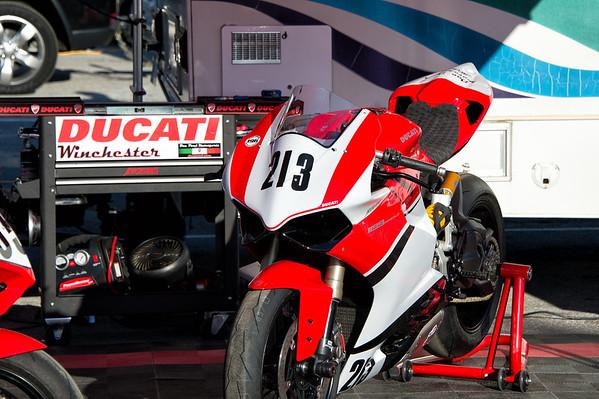 Pirelli/WERA Sportsman Race at Summit Point 2013