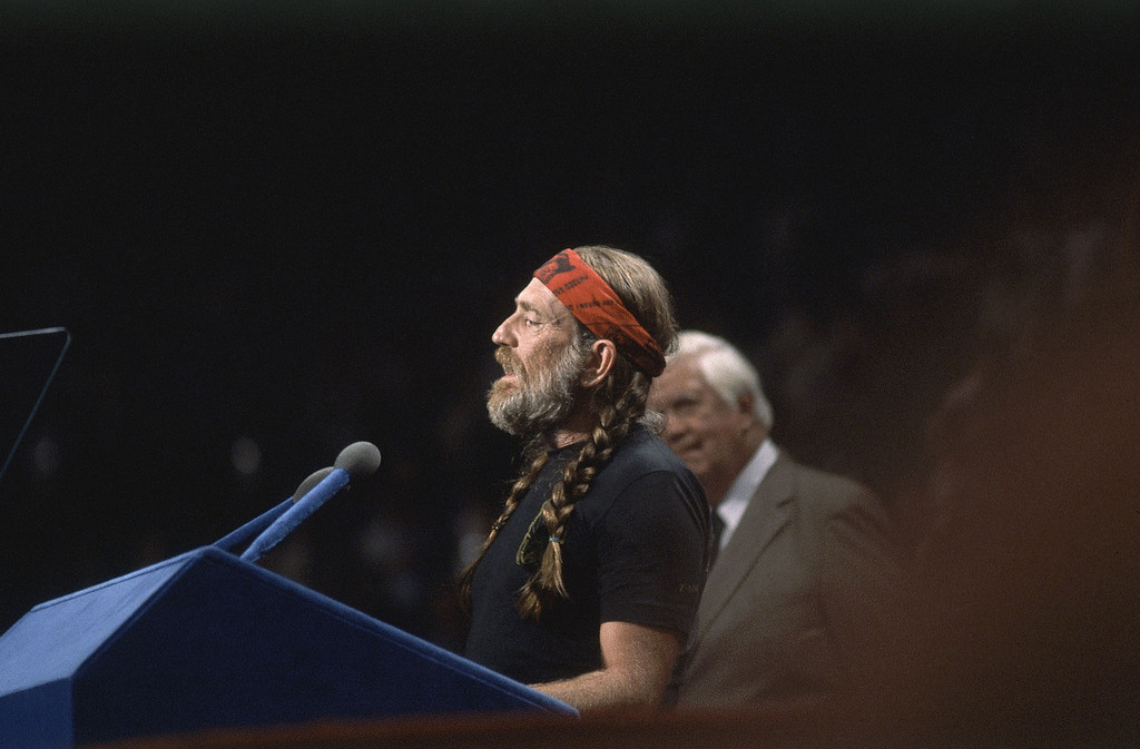 . Singer Willie Nelson, sings the national anthem at the Democratic National Convention in Madison Square Garden in New York, August 13, 1980. (AP Photo)