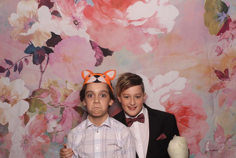 MangoStudios_Photobooth_Catherine and Sean14.jpg
