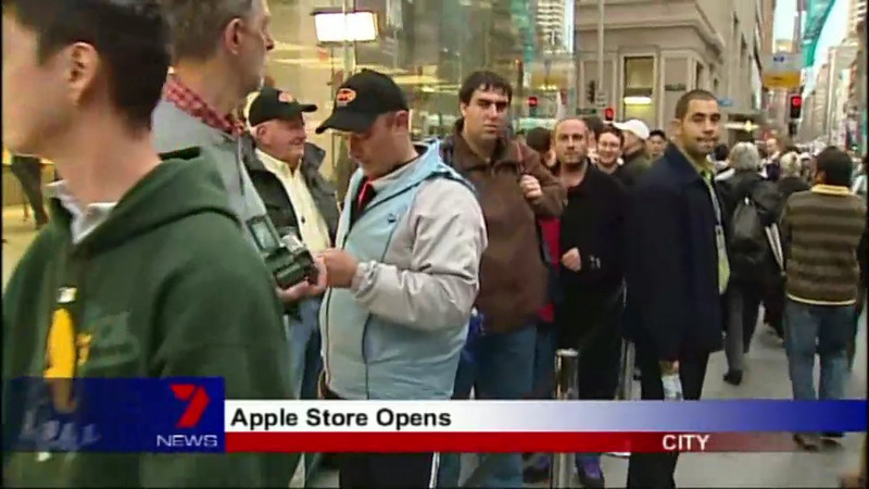 Apple Store Opens Doors Seven Nightly News