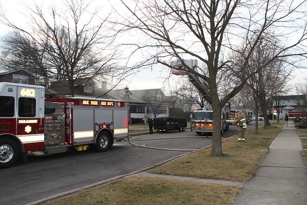 OAK PARK, IL WORKING FIRE RESPONSE 1110 N. TAYLOR (02-05-2012)
