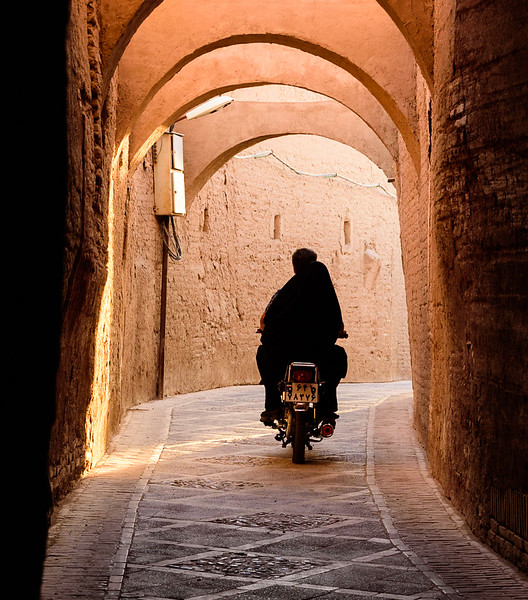 Alleyway in the old centre, Yazd