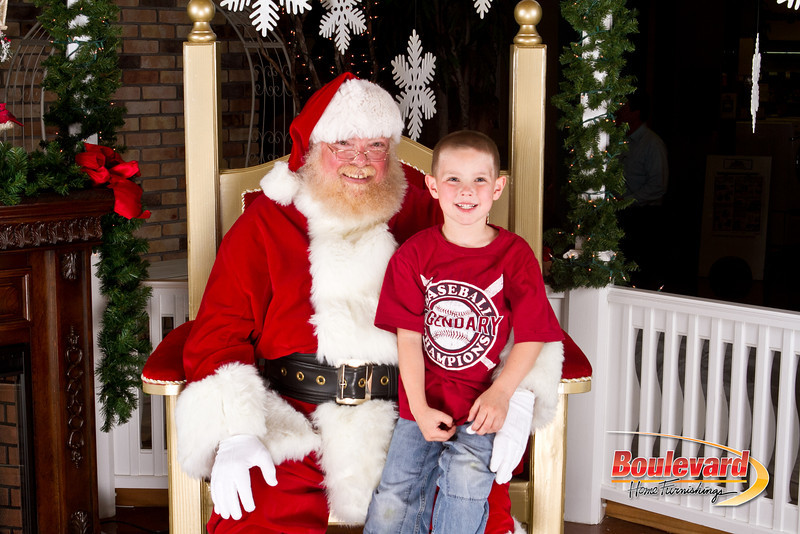 Santa Dec 8-279.jpg