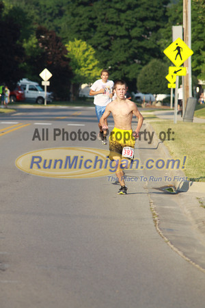 2 Mile Finish Gallery 2 - 2012 Boyne Independence Day Run