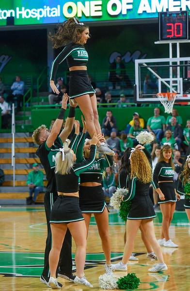 cheerleaders0611.jpg