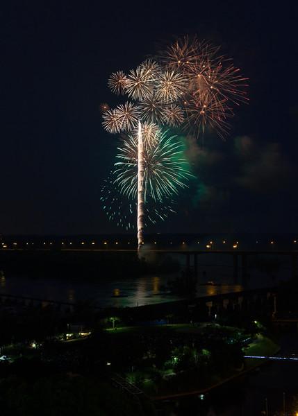 fireworks-4_19487009251_o.jpg