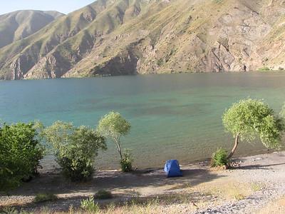 20100613 Góry Zardkouh i jezioro Gahar